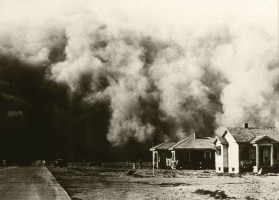 Dust Storm moves across the plains - Photo Courtesy USDA, flicker.com